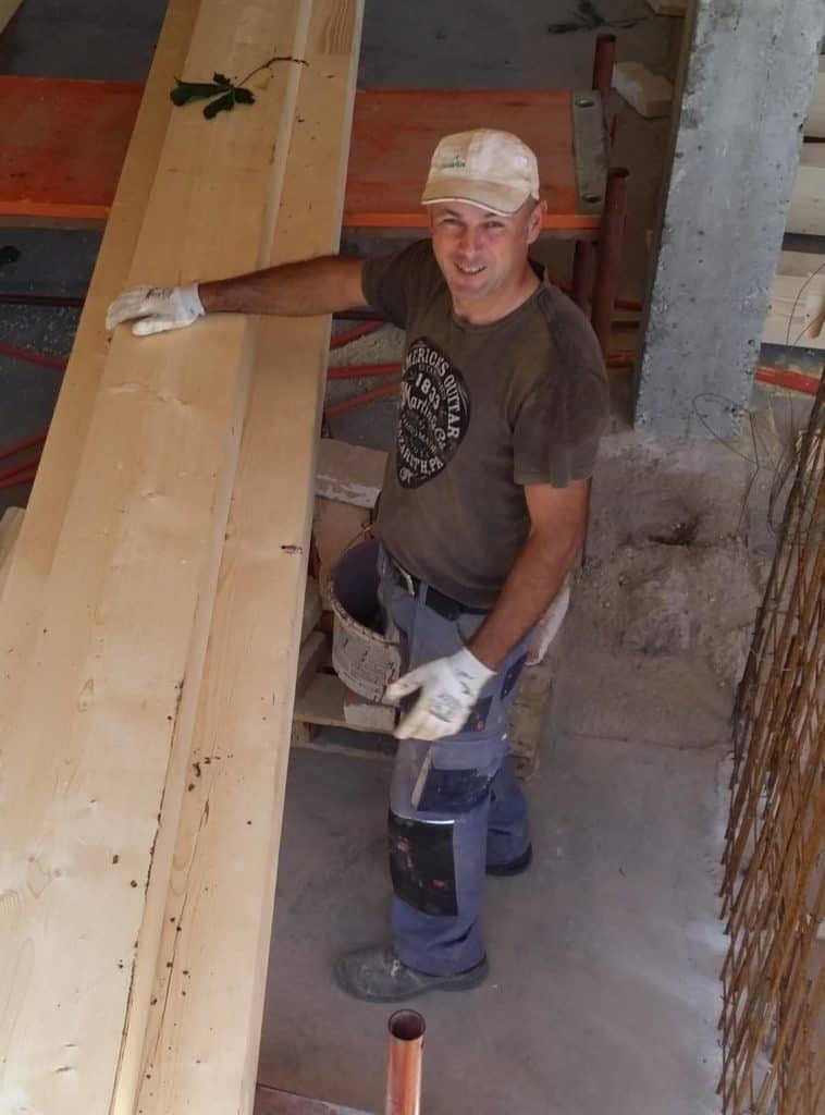Suljo - gradbeni delavec