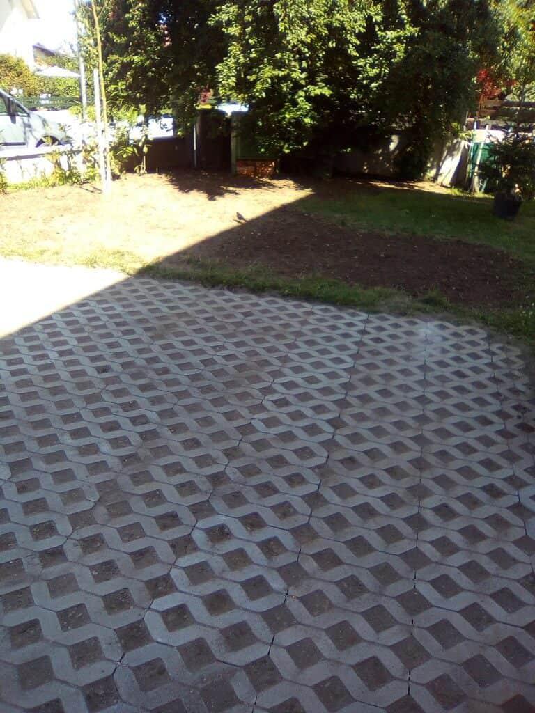 tlakovanje vrta in parkirišča 2