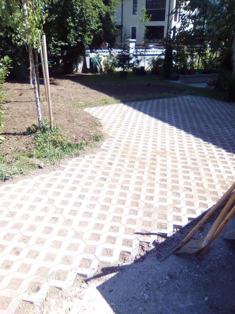 tlakovanje vrta in parkirišča 3
